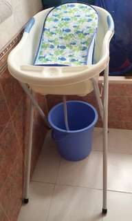 Bath tub with stand and bath seat
