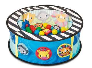 Ball pit with FOC BALLS