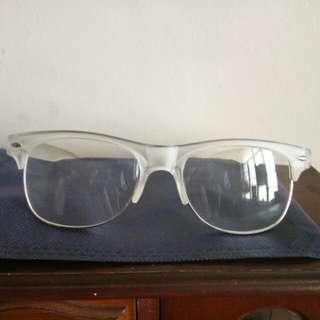 eyeglass replaceable lens