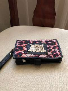 Juicy couture phone & card wristlet