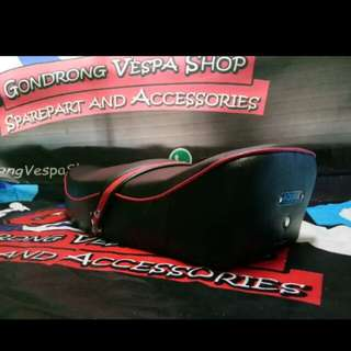 Vespa px aquila red lace seat