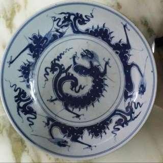 清代青花瓷龍紋盤