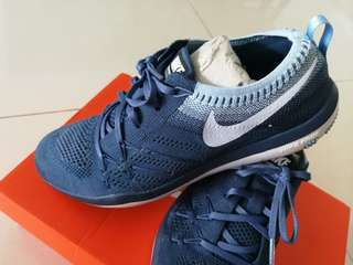 Nike women trainers in blue