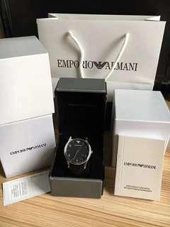 品牌Armani/阿瑪尼型號:AR1865錶盤直徑:41mm機芯類型:石英機芯手錶種類:男風格:時尚潮流錶帶材質:小牛皮形狀:圓形防水深度:50m附加功能:日曆,夜光品牌產地:歐美錶殼材質:不銹鋼,正品支持專櫃驗貨😊😊😊