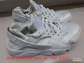 1800 for 2 Nike Hurache and H&M Gold Shoes/Items on Sale