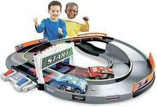 Auth Disney CARS Shake N Go Racetrack Lights & Sounds Mcqueen Dinoco The King