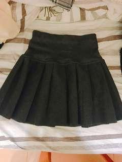 深灰色百摺裙