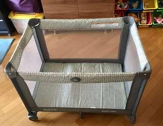 Graco Playpen Pack N Play 可攜式遊戲床連睡籃