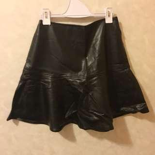 Black Leather Skirt皮革荷葉邊短裙