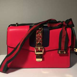 Gucci Sylvie leather shoulder bag red