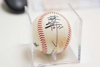 CBL Lamigo桃猿隊職棒球星 最強四番林泓育簽名球