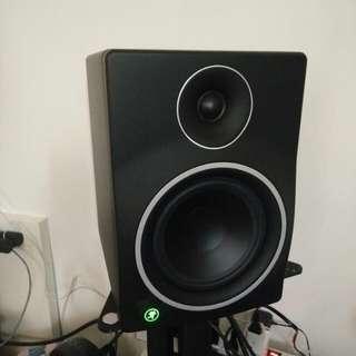 Mackie mr6mk3 studio monitor