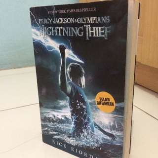 Novel Percy Jackson The Lightning Thief