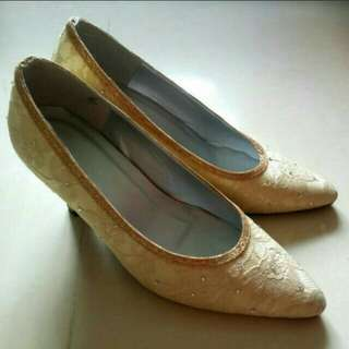 Tailor made high heel shoes
