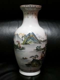 Vintage 1970-80s Oriental Porcelain Vase (旧款中国山水纹潮彩瓷瓶)