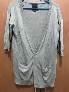 Penshoppe grey cardigan (small, with a little hole)