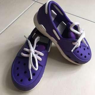Purple Crocs size c9 for kids