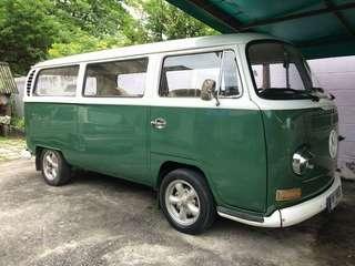 Volkswagen Kombi Type 2 Deluxe