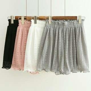 🚚 蕾絲褲裙(白色)