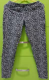 Leopard-print Jeggings
