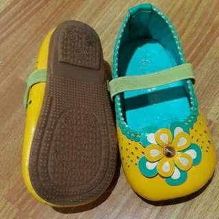 Sepatu merk Elips