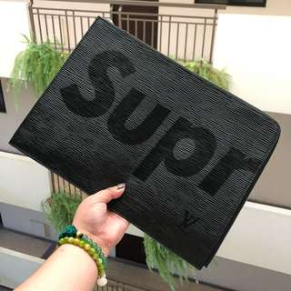 LV SUPREME ENVELOPED POUCH