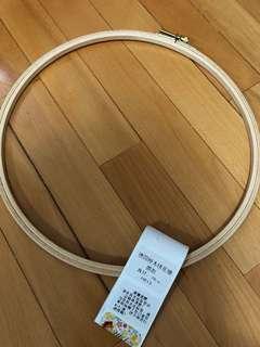 德國櫸木28cm圓形繡花架(全新)