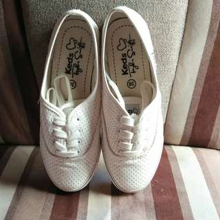 White shoes (once used)