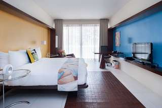 Picasso Makati Studio room 1 night stay with breakfast for 2