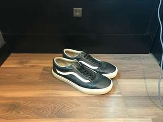 Vans Classic Tumble Old Skool (Size 9.5 Black Leather)