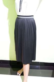 Hush Puppies pleated skirt