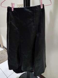 🚚 皮質黑色成熟感魚尾裙