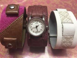 FOSSIL LEATHER WATCH WITH 2 EXTRA STRAPS