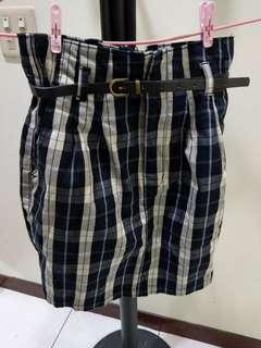 🚚 格紋微花苞感短裙