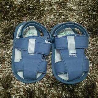 Crib Couturw Blue Sandals