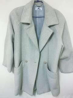 🚚 白色氣質大衣