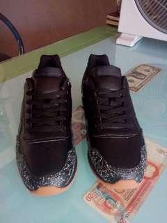 SALE! SALE! SALE! New Reebok shoes for women