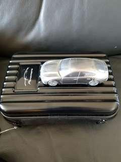 一盒Panamera 模型車連叉電器