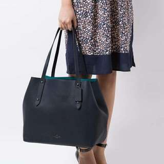 New coach large tote in polished pebble leather