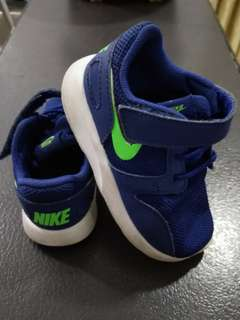 Authentic Nike Kids Shoes/ Nike kids sneakers (EUR 22)