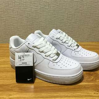 Nike Air Force 1全白