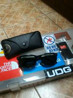BN Authentic Ray-Ban 2132-F New Wayfarer