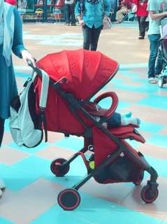 Sweet cherry red Stroller