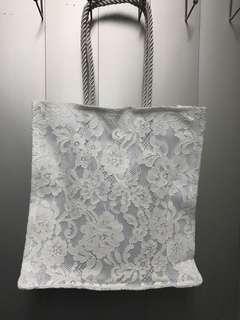 白色喱士小袋