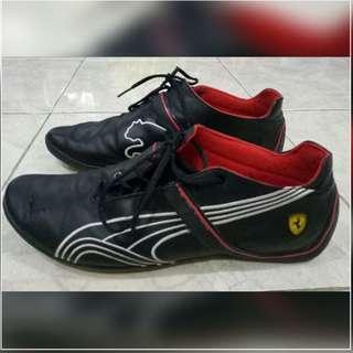 Sepatu Puma Seri Ferrari
