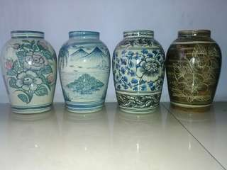 Dijual borongan 4 guci porselen cantik untuk hiasan rumah