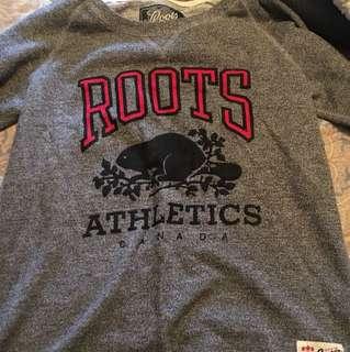 Roots crew neck
