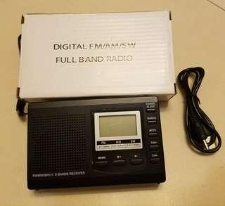 迷你便攜式 FM / MW / SW 收音機
