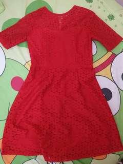 Dress merah brukat