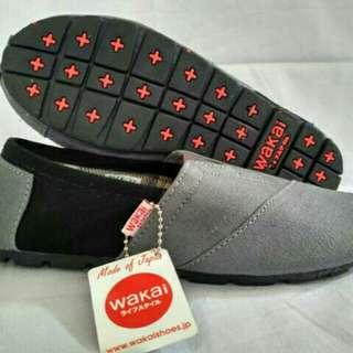 Sepatu wakai abu hitam keren gradeori